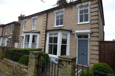 Alpe Street, Ipswich,. 2 bedroom semi-detached house