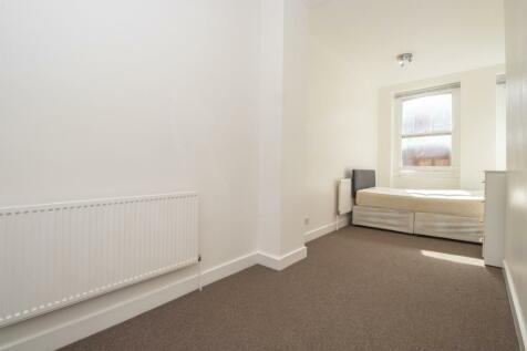 Hanbury Street, London, E1. 3 bedroom apartment