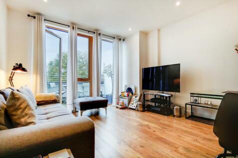 Canonbury Road, Islington, N1. 1 bedroom penthouse