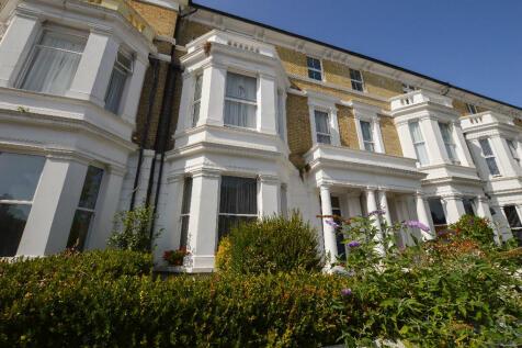 Enys Road,Eastbourne,BN21. Studio flat