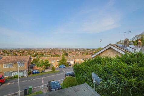 Den Hill, Eastbourne, East Sussex, BN20. 3 bedroom semi-detached house