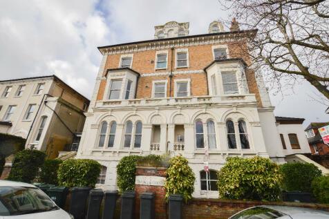 Spencer Road, Eastbourne, East Sussex, BN21. 2 bedroom flat