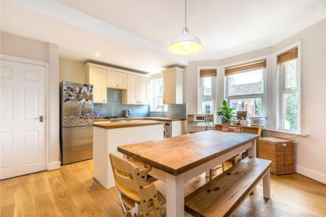 Hansler Road, East Dulwich, London, SE22. 3 bedroom apartment