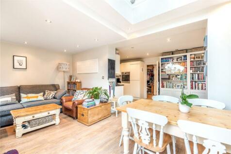 Lordship Lane, East Dulwich, London, SE22. 2 bedroom ground floor flat