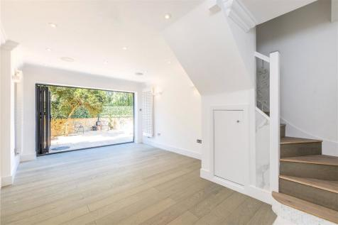Athenlay Road, Nunhead, London, SE15. 3 bedroom end of terrace house for sale