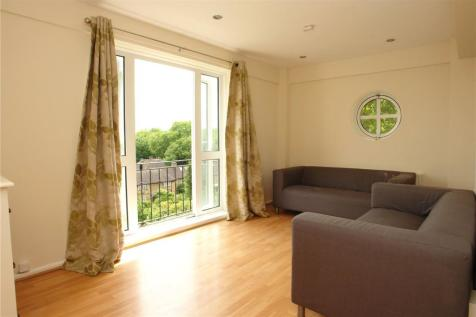 Denmark Hill Estate, Camberwell, London, SE5. 3 bedroom apartment
