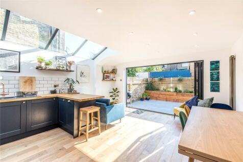 Ulverscroft Road, East Dulwich, London, SE22. 2 bedroom apartment
