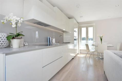 Friern Road, East Dulwich, London, SE22. 2 bedroom apartment