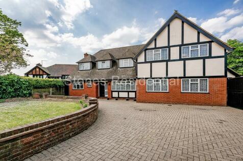 Chiltern Avenue, Bushey Heath. 4 bedroom house for sale