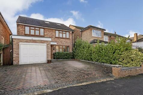 Bourne Road, Bushey. 4 bedroom house for sale