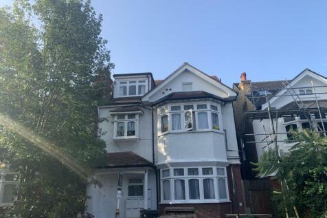 Deepdene Road, London, SE5. 2 bedroom apartment