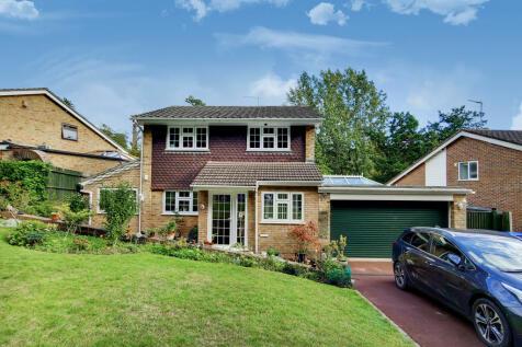 Hollingsworth Road, Croydon, Surrey, CR0. 4 bedroom detached house for sale