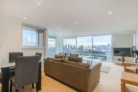 Western Gateway, Docklands, London, E16. 2 bedroom flat
