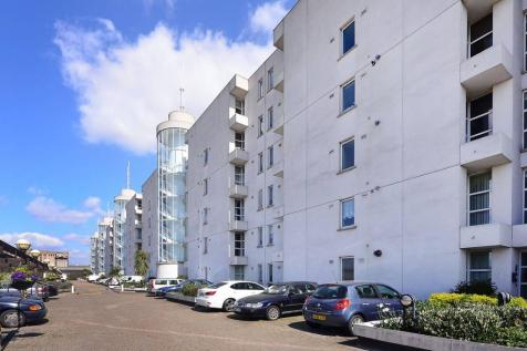 Barrier Point Road, Silvertown, London, E16. 2 bedroom flat