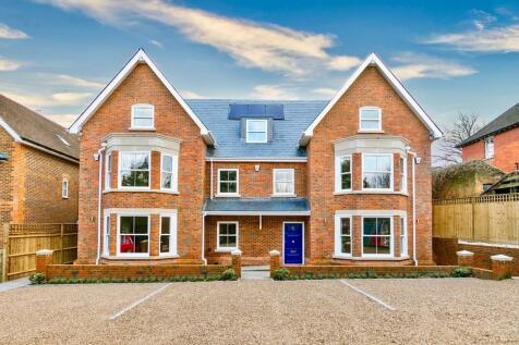 Ivor Close, Guildford. 4 bedroom semi-detached house