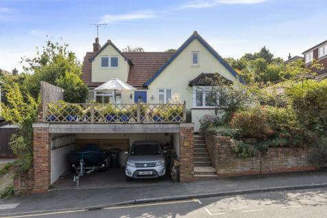 Mountside, Guildford. 4 bedroom detached house for sale