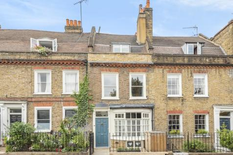 Royal Hill London SE10. 3 bedroom terraced house
