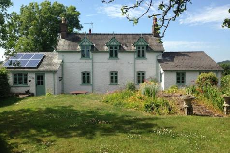 Yew Tree Place. 4 bedroom detached house