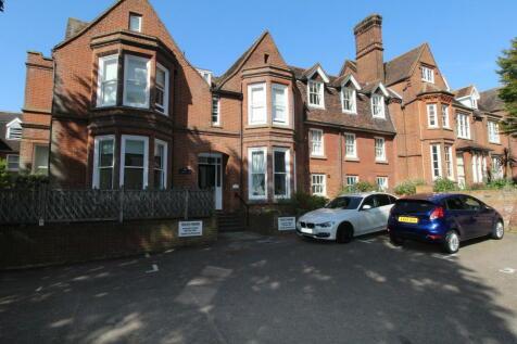 Henley Road. 1 bedroom flat