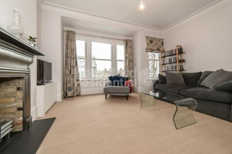 Beechdale Road, Brixton. 3 bedroom apartment