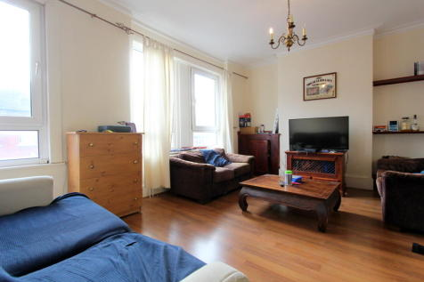 Kingswood Road, Brixton. 3 bedroom flat