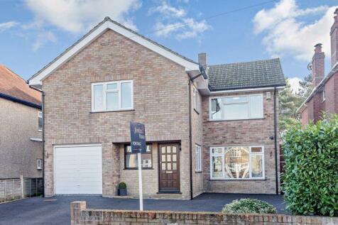 Somerset Road, Salisbury. PRO VIDEO TOUR. 5 bedroom detached house for sale