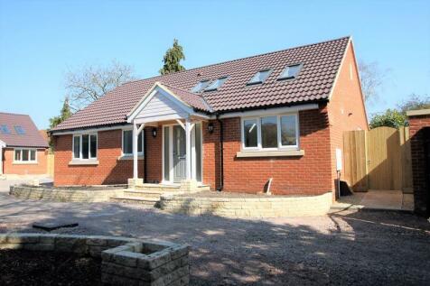 Park Lane, Salisbury. 3 bedroom detached bungalow for sale