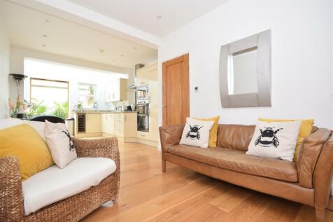Bell Lane, Twickenham. 2 bedroom terraced house