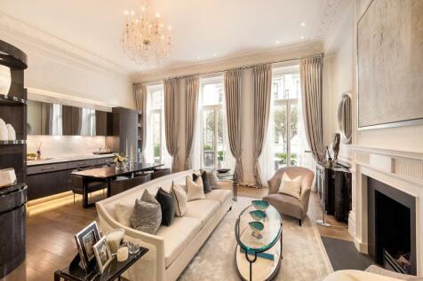Ennismore Gardens, Knightsbridge, London. 2 bedroom flat