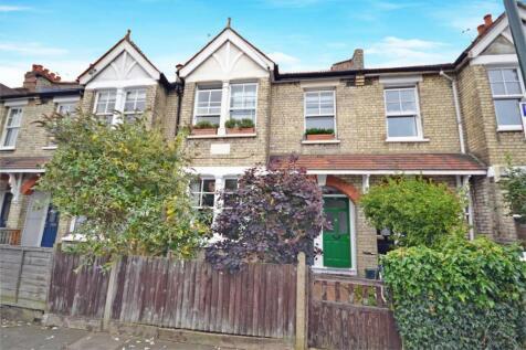 Kenley Road, Twickenham. 2 bedroom maisonette