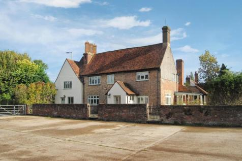 London Road, Hemel Hempstead. 5 bedroom detached house