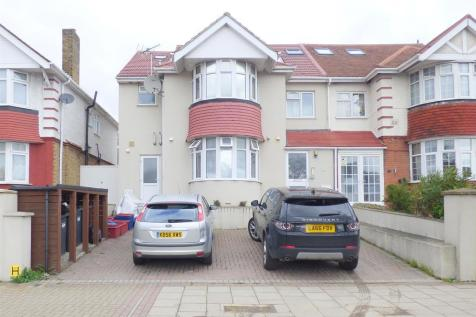 Great West Road, Osterley, TW5. 9 bedroom semi-detached house