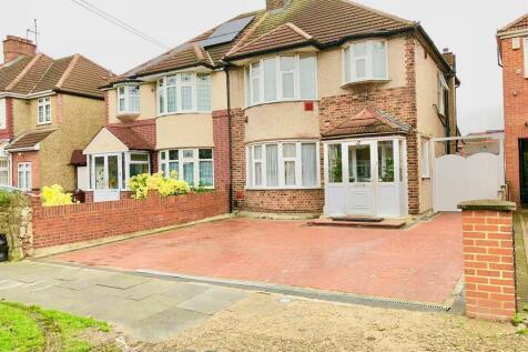 Burns Way, TW5. 3 bedroom semi-detached house