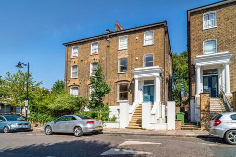 Highbury Hill, London. 3 bedroom maisonette for sale
