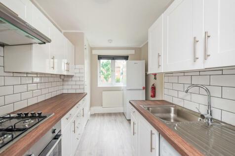 Birchmore Walk, N5 2TJ. 4 bedroom flat