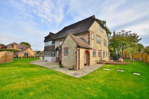 School Hill, Wrecclesham, Farnham. 5 bedroom detached house for sale