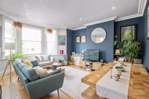 Venner Road, Sydenham. 2 bedroom flat for sale