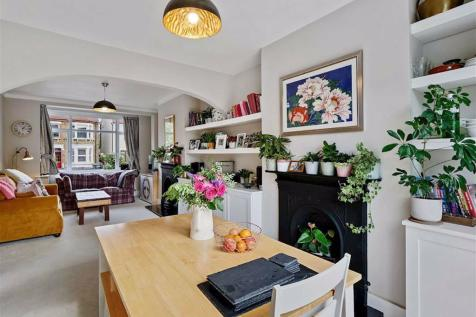 Perry Rise, Forest Hill. 4 bedroom house for sale