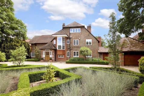 Bulstrode Way, Gerrards Cross, Buckinghamshire, SL9. 6 bedroom detached house for sale