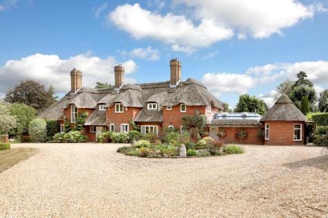 Pauls Hill, Penn, High Wycombe, Buckinghamshire, HP10. 5 bedroom detached house for sale