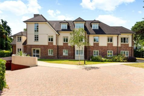 Templewood, 140 Canford Cliffs Road, Poole, Dorset, BH13. 3 bedroom apartment