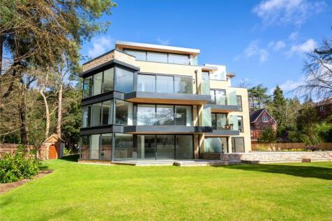 Balcombe Breeze, 2A Balcombe Road, Poole, Dorset, BH13. 3 bedroom apartment