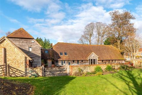 Tilford Road, Tilford, Farnham, Surrey, GU10. 5 bedroom detached house for sale