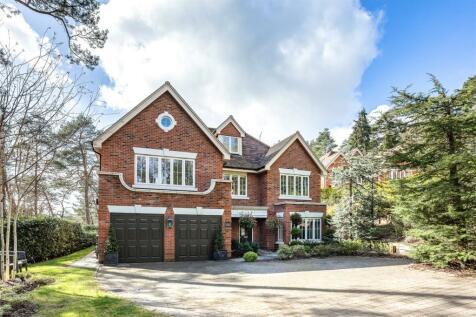 Tattingstone Close, Lower Bourne, Farnham, Surrey, GU10. 5 bedroom detached house for sale