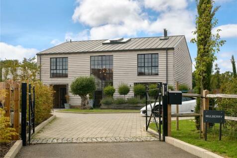 Pitt Lane, Frensham, Farnham, Surrey, GU10. 4 bedroom detached house for sale