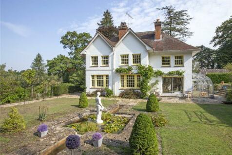 Farnham Road, Churt, Farnham, Surrey, GU10. 5 bedroom detached house for sale