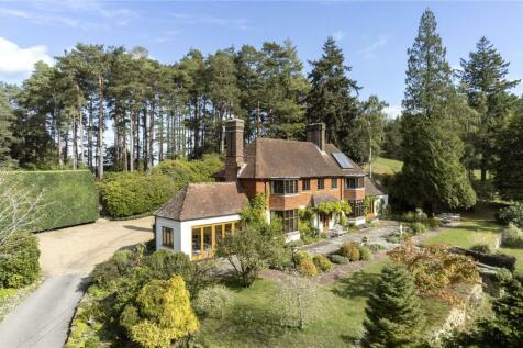 Jumps Road, Churt, Farnham, Surrey, GU10. 5 bedroom equestrian facility for sale