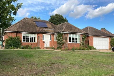Riversmeet, Tilford Street, Farnham, Surrey, GU10. 4 bedroom bungalow for sale