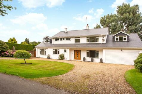 Bamville Wood, East Common, Harpenden, Hertfordshire, AL5. 5 bedroom detached house