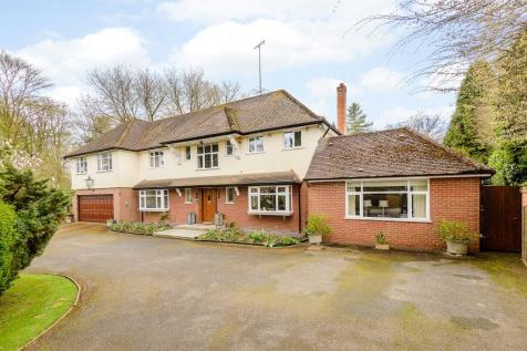 Frithsden Copse, Potten End, Berkhamsted, Hertfordshire, HP4. 5 bedroom detached house for sale